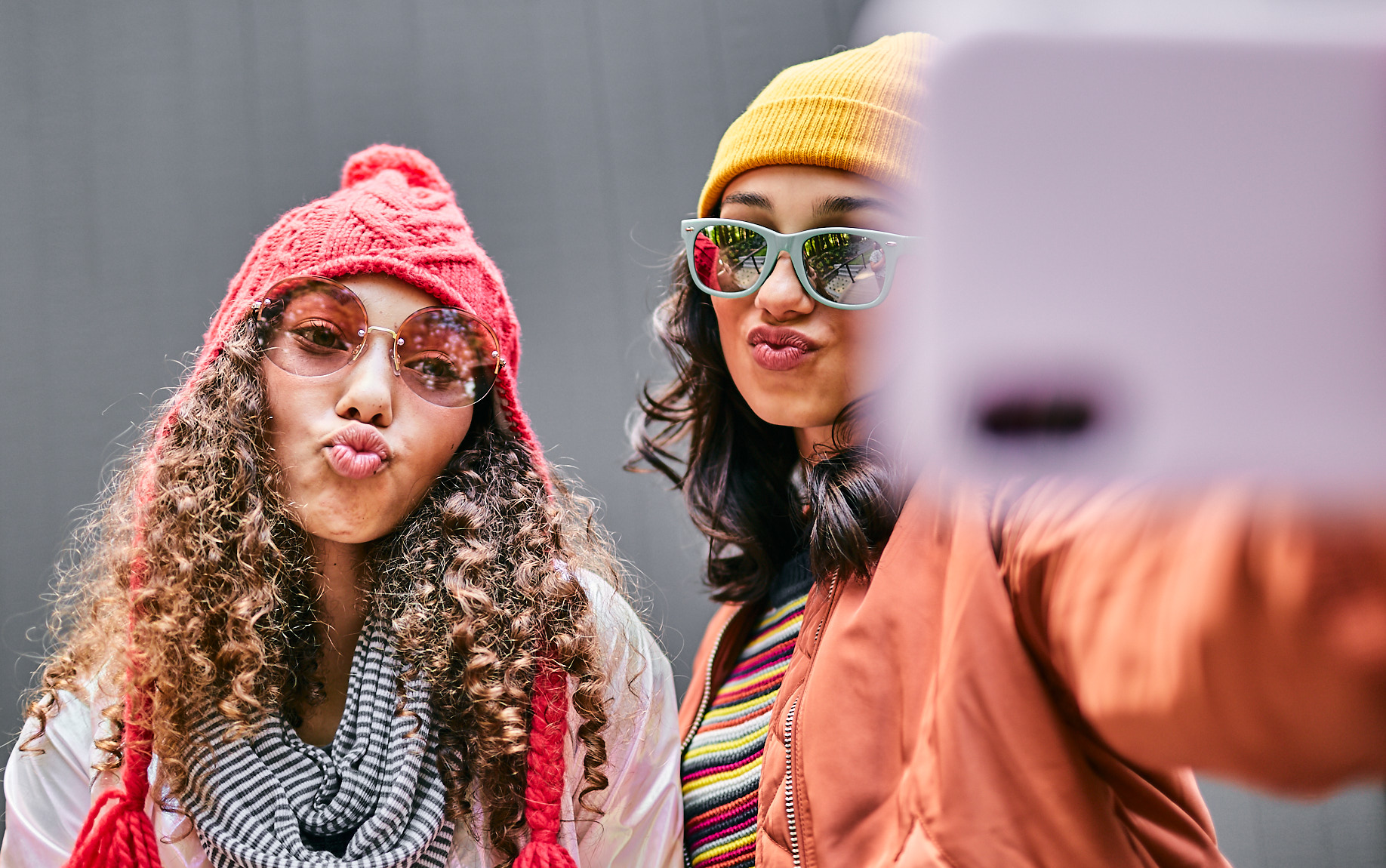 Teenagers take a selfie, an image from a lifestyle photoshoot for screentime management company Circle.