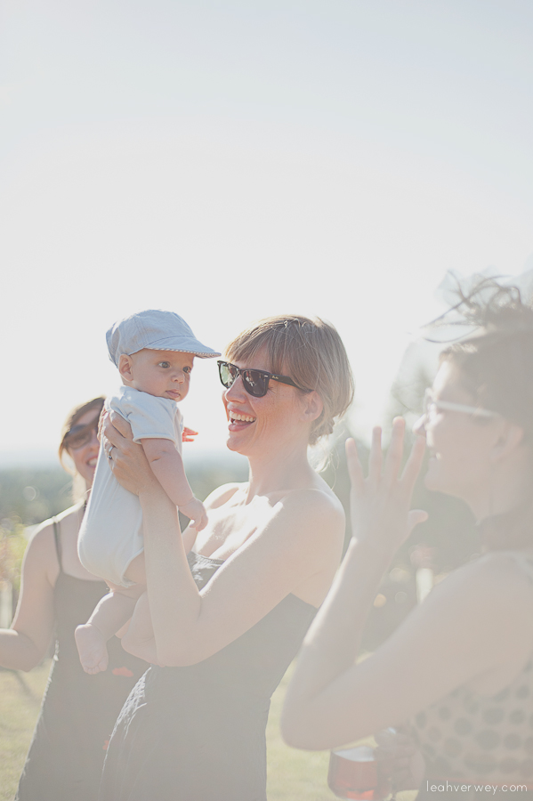 Lifestyle photography of a mom and a babe.